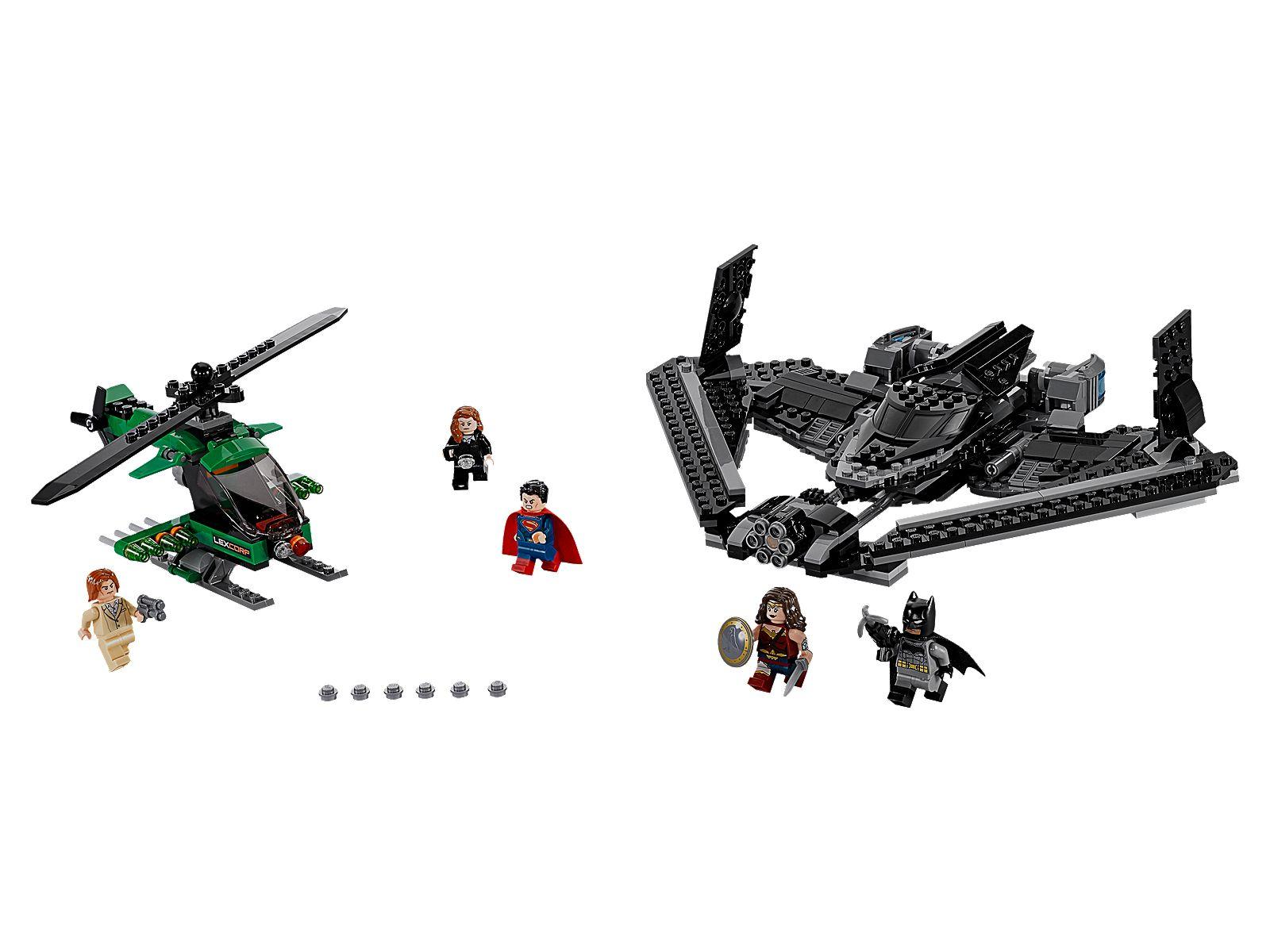 Lego Web Site Posted Official Images of Batman V Superman