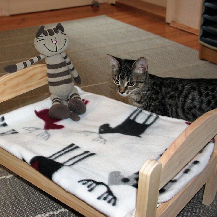 IKEA-Hack Puppenbett Duktig