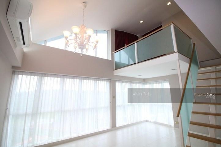 Living Room (wide).jpg
