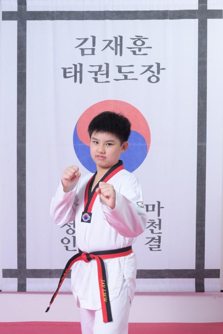 Taekwondo Black Belt 17 Mar 2018-65.jpg