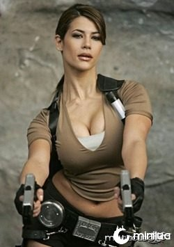 karima_adebibe_is_new_lara_croft_02