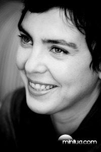 Adriana_Calcanhoto_(em_entrevista_ao_DESTAK)_-_2008