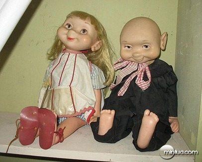 plain_weird_dolls_thumb