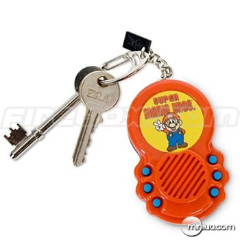 super-mario-bros-theme-keychain-gadget_thumb