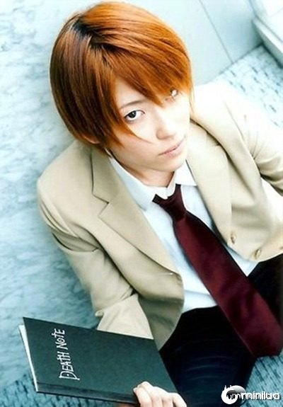 death_note_-_yagami_light_02