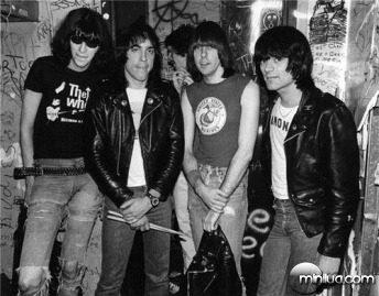 Ramones R407_Gruen
