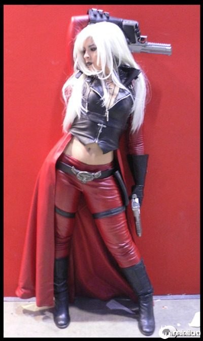dante_cosplay_female_version_by_Core_Ray