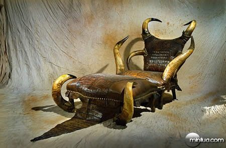 strange-furniture-uphaa_(1)