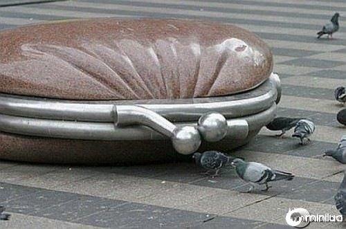 funny-Unexplainable-Statues-19