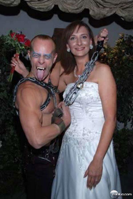 really-strange-weddings13