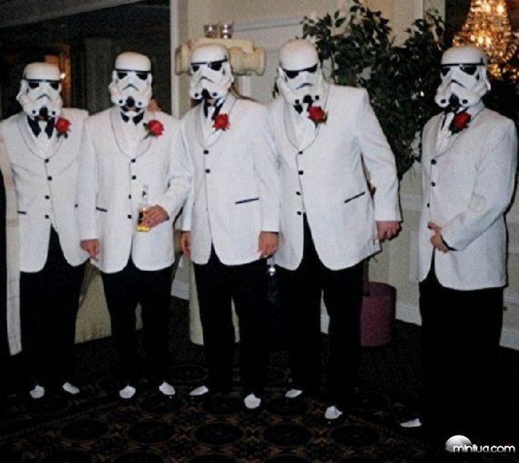really-strange-weddings22