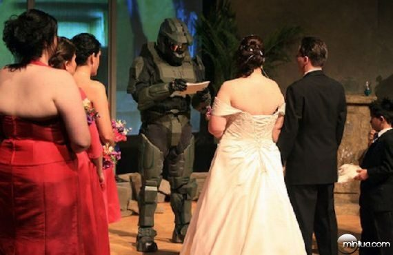 really-strange-weddings30