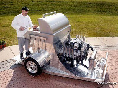 fun_weird_amazing_crazy_offbeat_hemi-powered-grill_20090718115514626