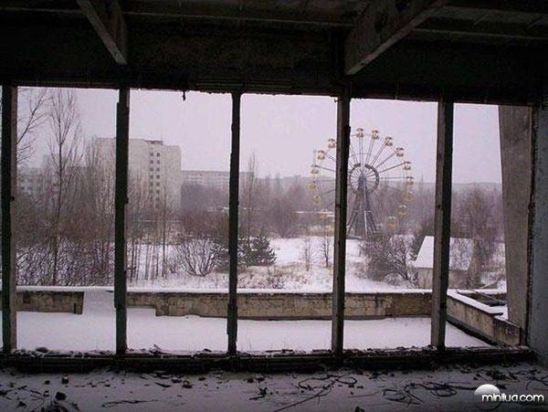 size_590_parque-diversao-pripyat