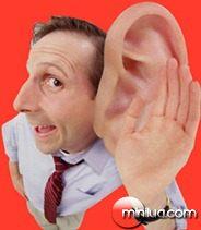 homem-orelhao-ouvindo