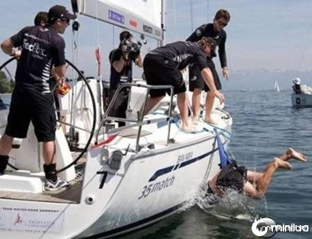 a98137_unlucky_1-boat2
