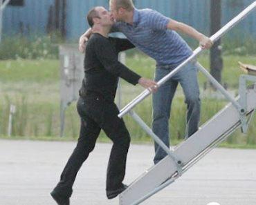 Agora é a vez dele: John Travolta saiu do armário!
