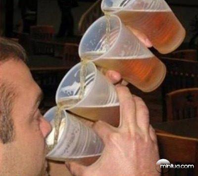 Tomando cerveja na Oktoberfest