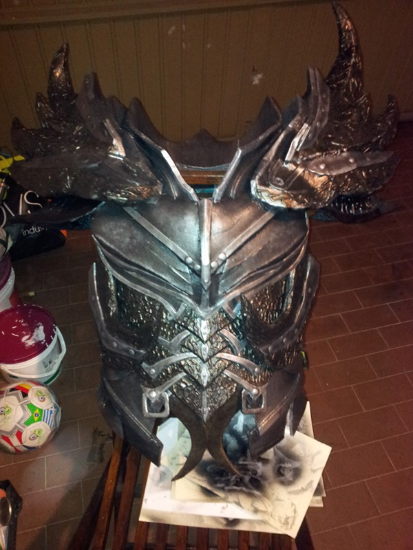 cosplay_dovahkiin_daedric_full_armor_from_skyrim_by_zerios88-d5jtnsj