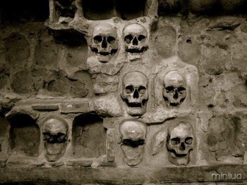 Skull-Tower-e1373168801327