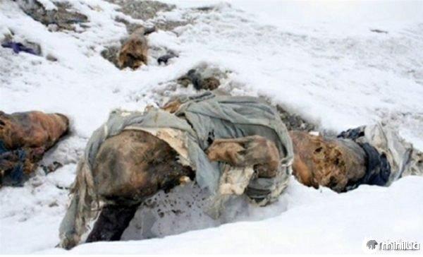 Dead_body_Mount_Everest5