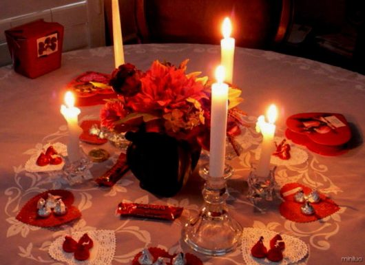 romantic-dinner-at-home
