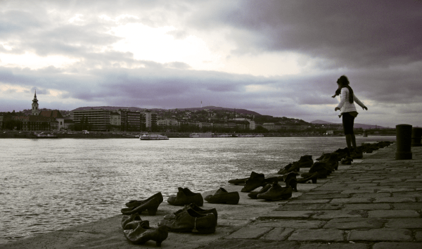 shoes_on_the_danube_promenade_by_ganoninc-d4yha65