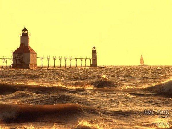 Saint-Joseph-Pier-Lighthouse,-Michigan