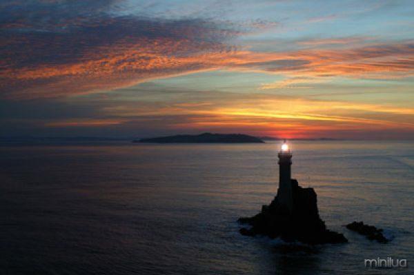 fastnet-rock-at-sunset-helishot