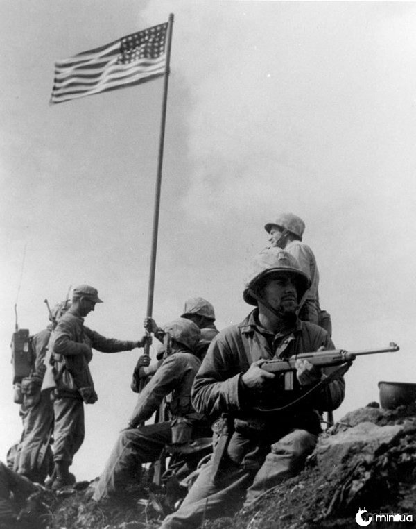 640px-First_Iwo_Jima_Flag_Raising