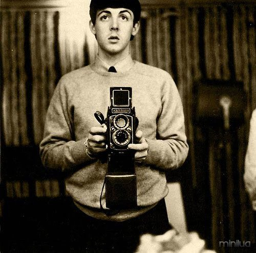 epic-selfie-paul-beatles