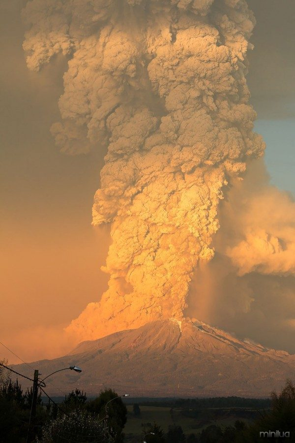 volcano-eruption-calbuco-chile-9__880