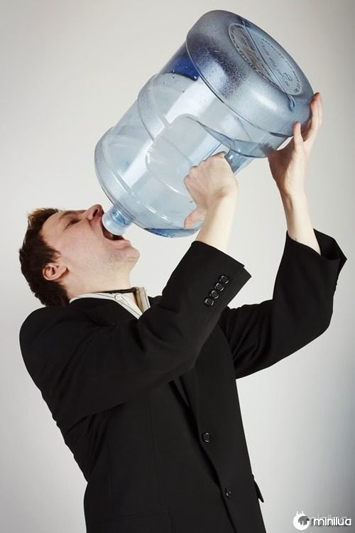 sede beber água excesso prejucidial perigos