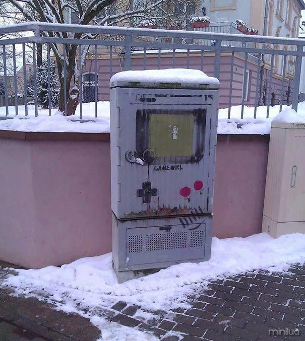 funny-vandalism-street-art-39-5703b1339f725__605