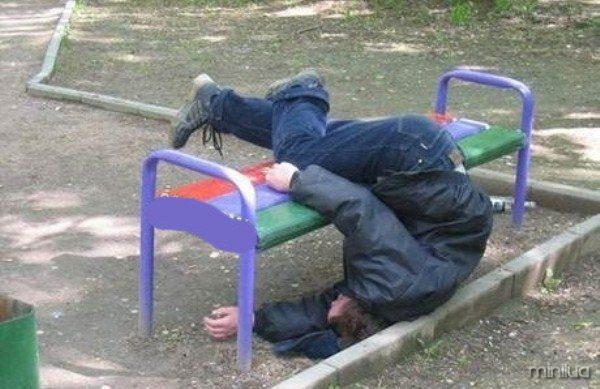 people-sleeping-everywhere (31)