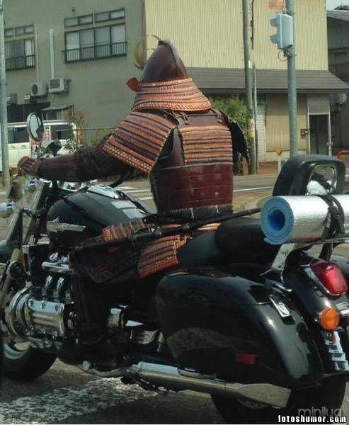 armadura samurai ciclista