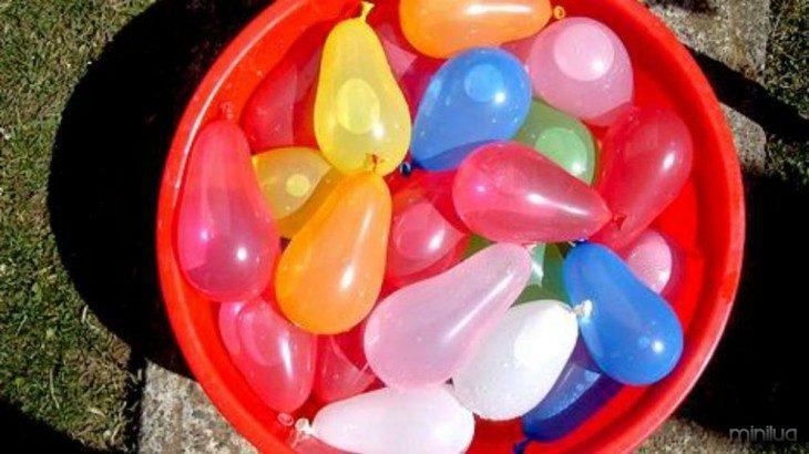 brincar de guerra com balões foi o melhor