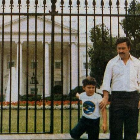 a98857_historical-photos-pt6-pablo-escobar-son-white-house-1980s