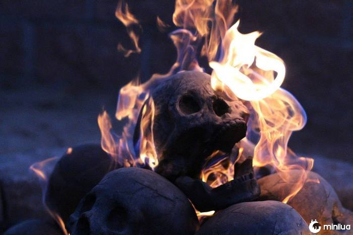 Crânio-fogo-poço-formação-criações-13