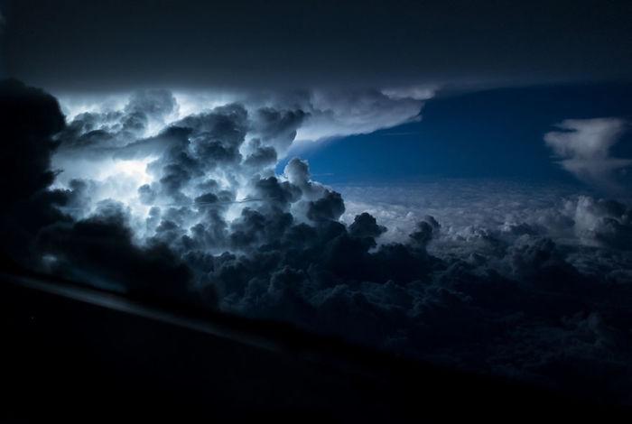 Tempestade sobre o Atlântico, a sul da Jamaica