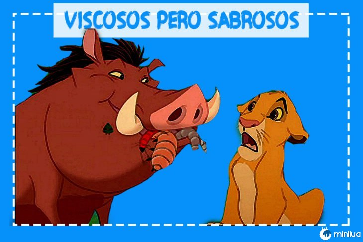 Pumba comendo insetos lado de Simba