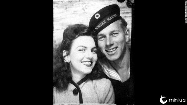 Foi o que Rolf Christoffersen, marinheiro da Marinha da Noruega e sua esposa, Virgínia, pareciam em 1945.