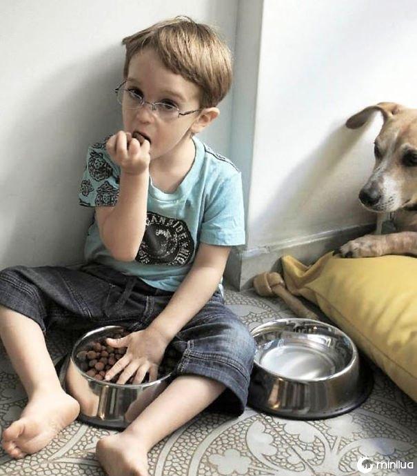 Kid Is Eating Dog Food