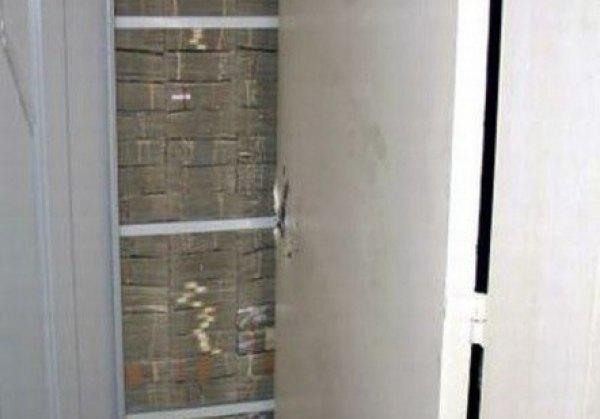 dinheiro escondido em um armário da mansão dos Cavaleiros Templários