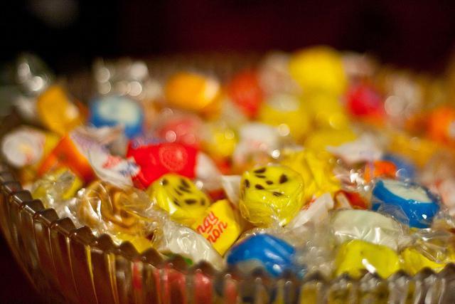 Ofícios com material reciclado para crianças doces