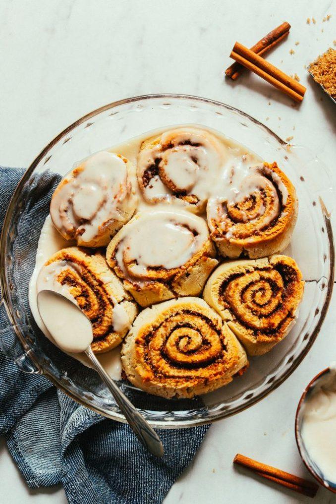 Gluten-Free Cinnamon Rolls (Vegan!) | Minimalist Baker Recipes