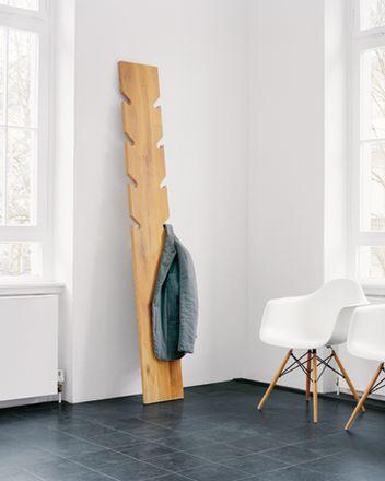 DIY Geschenke können richtig DELUXE sein. Auf minimalistmuss findet ihr eine ganze Sammlung dieser einzigartigen Selbstmachgeschenke. Hier DIY-Garderobenbrett