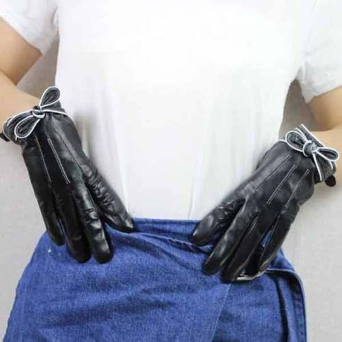 Women Gloves1