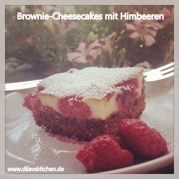 Cheesecake Brownies mit Himbeeren