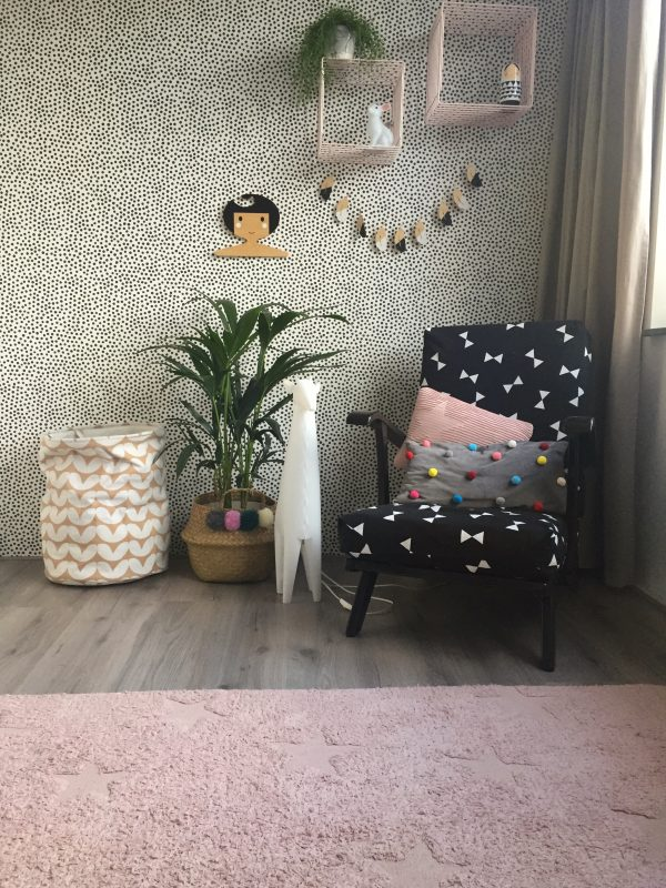 kentia kamerplant op de kinderkamer